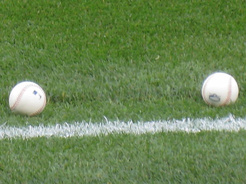 10_balls_on_field