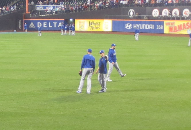 10_jeremy_guthrie_telling_alex_rios_about_me