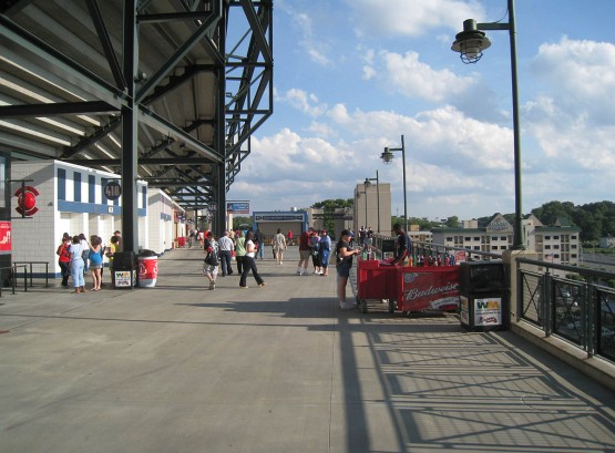 11_turner_upper_deck_concourse