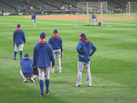 20_rangers_pitchers_in_center_field