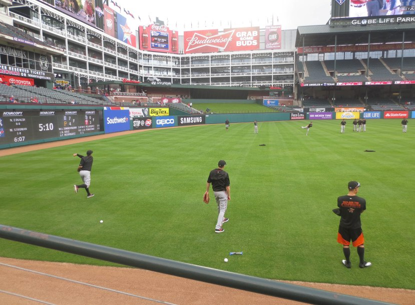 11_orioles_playing_catch_04_14_16