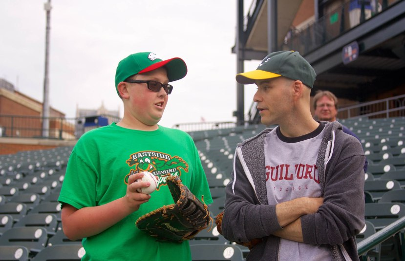 22_zack_talking_to_a_young_fan_named_billy