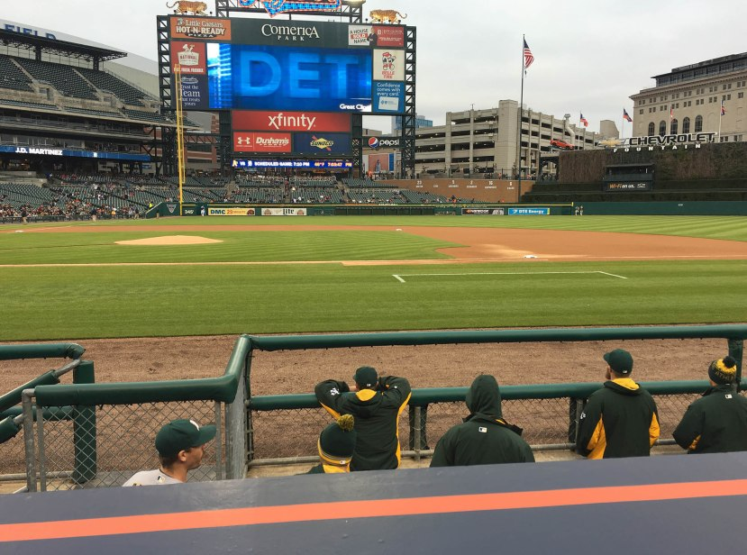 26_athletics_in_dugout_pregame