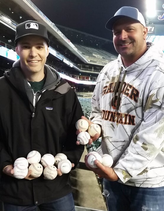 45_zack_and_bill_with_baseballs