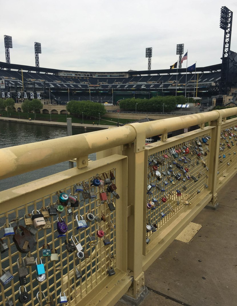 4_locks_on_bridge_to_pnc_park