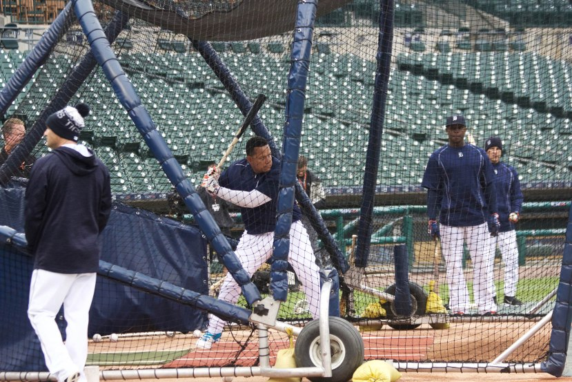 6_miguel_cabrera_taking_batting_practice_photo_by_muneesh_jain
