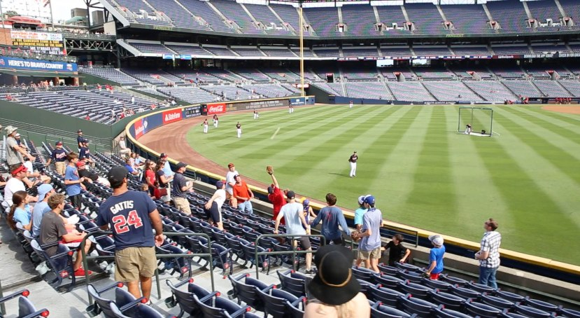 16_ball8924_flying_into_the_seats