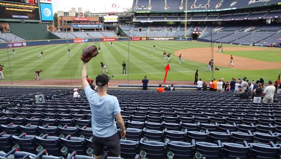 18_brandon_belt_throwing_ball8925