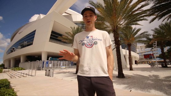 1_zack_outside_marlins_park_06_02_16