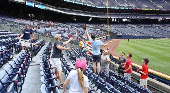 22_zack_jumping_for_ball8927