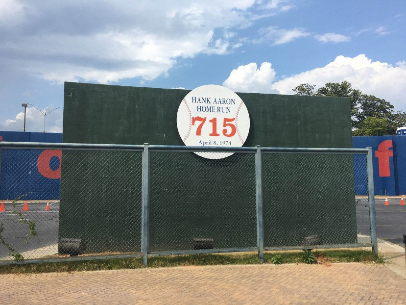 2_hank_aaron_715th_home_run_landing_spot