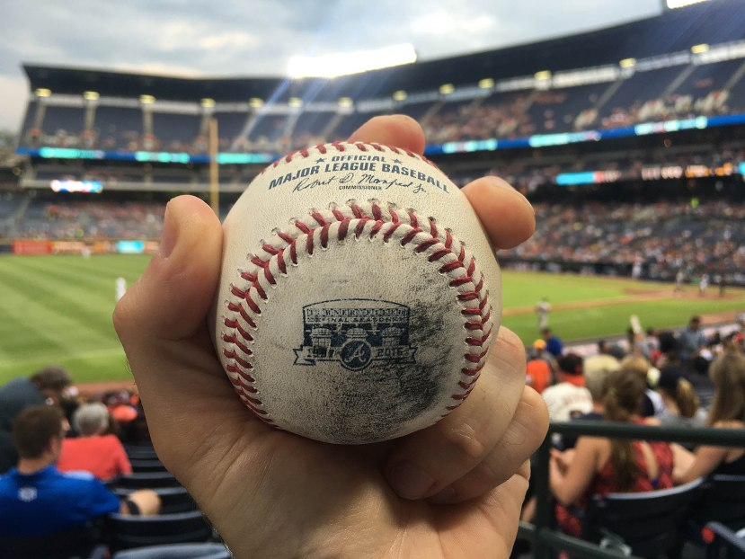 35_ball8928_mallex_smith_foul_ball