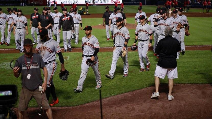 41_giants_walking_off_the_field