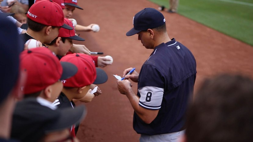 14_arod_signing_autographs_06_03_16