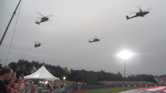 36_helicopter_flyover_fort_bragg_field