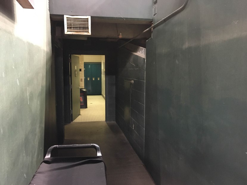 46_tunnel_to_locker_room
