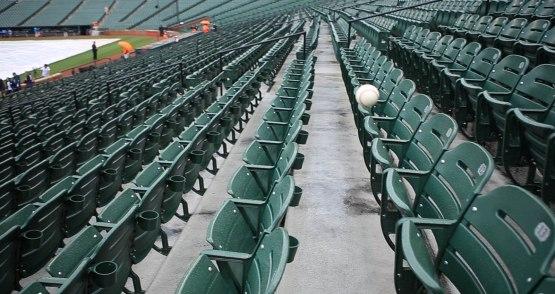 4_ball8943_rattling_around_the_seats