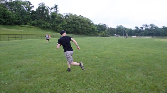 6_zack_running_for_a_fly_ball