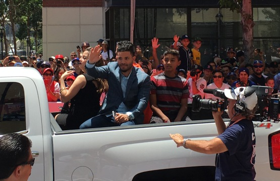 12_jose_altuve_red_carpet_parade