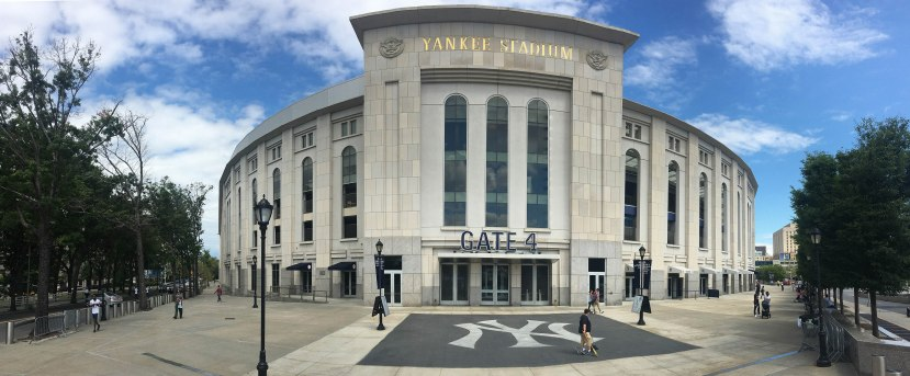 1_panorama_outside_yankee_stadium_08_02_16