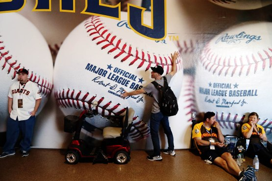 22_zack_with_big_baseballs_wall_decoration