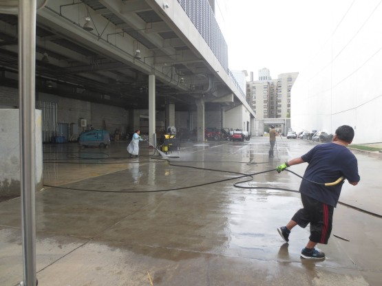 3_powerwashing_bus_entrance