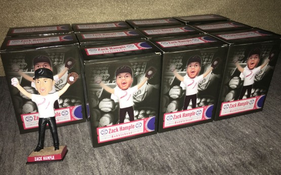3_bobblehead_and_boxes