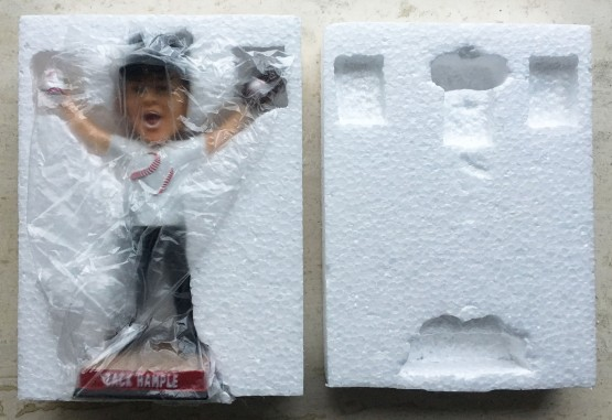 6_bobblehead_packaging